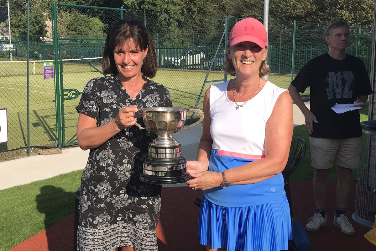 Lisa Eade and Sue Sumner, Ladies' Doubles Winners 2020